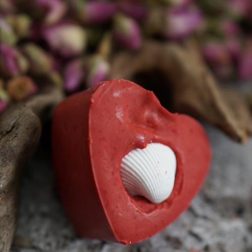 Rosen-Herz mit Muschel