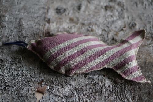 Lavendelfisch mit violetten Streifen