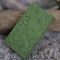 Patschuli-Bergamotte-Rechteck mit gestempeltem Ornament