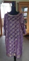 Seidenkleid in Violett mit floralem Muster